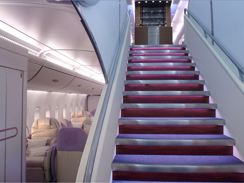Airbus-A380-stairs-between-upper-and-lower-decks ...