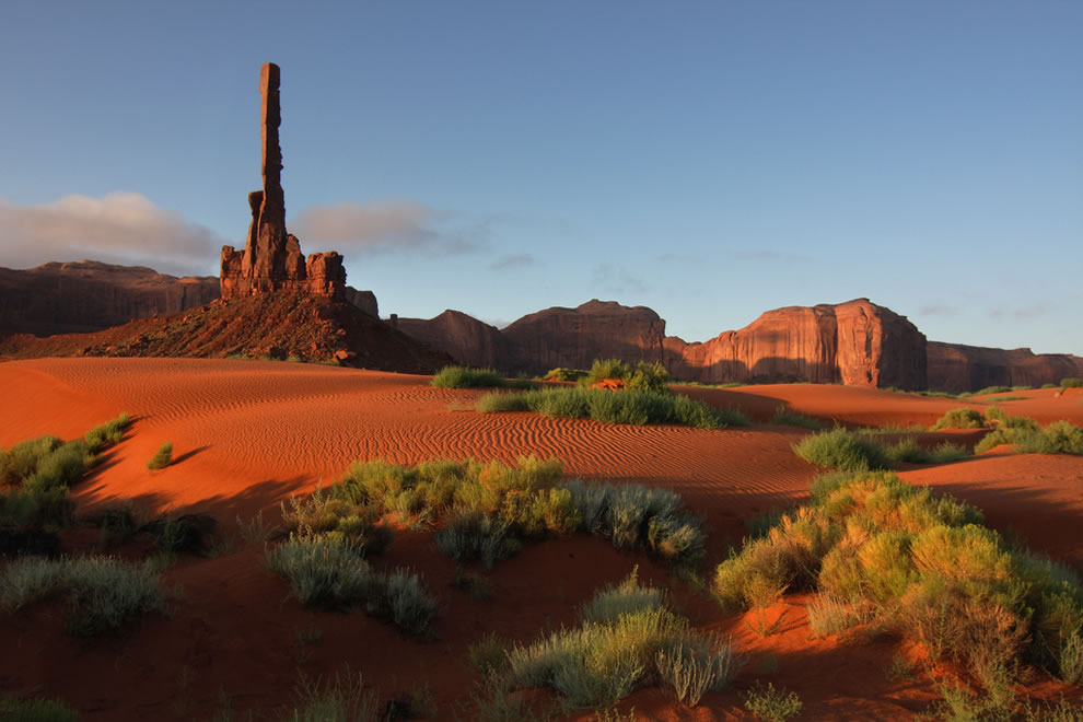 aTotem-pole-Monument-Valley