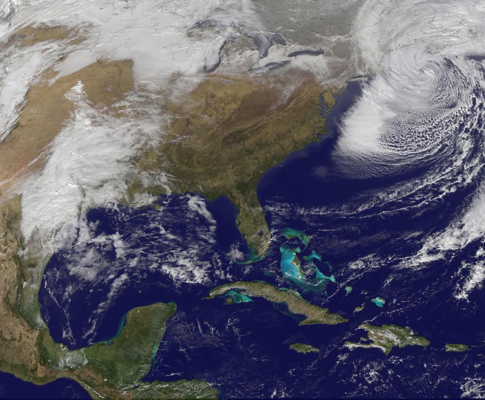 NASA shares spectacular sunsplashed photo of Michigans
