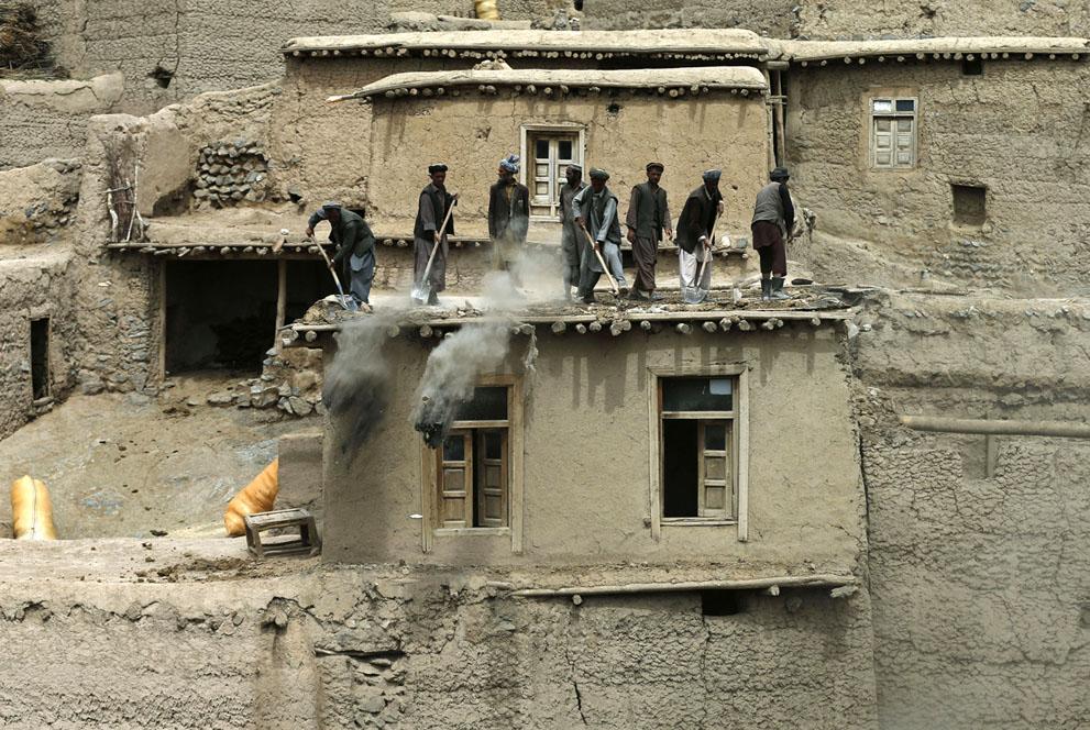 afghan landslide10