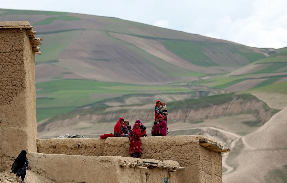 afghan landslide11