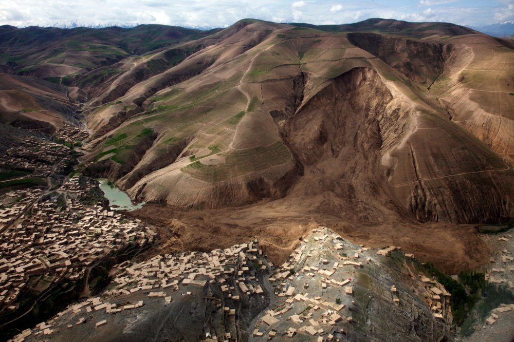 afghan landslide2