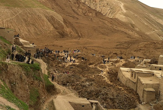 afghan landslide4