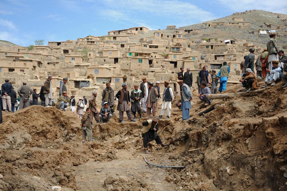 afghan landslide8