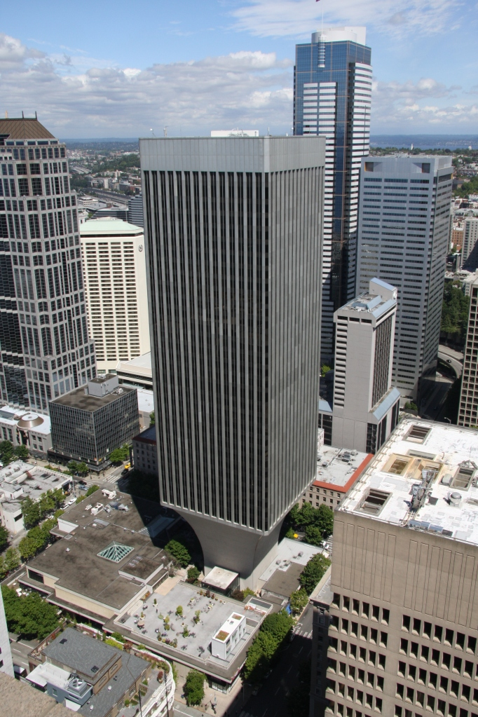 Rainier_Tower_Seattle_Washington