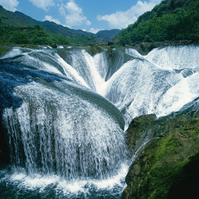 awater pearl waterfall china