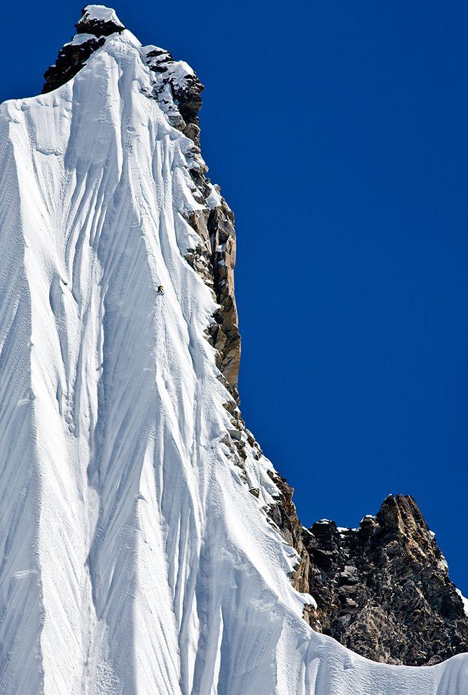 natgeo 13jeremy-jones-snowboarding-nepal_76931_990x742