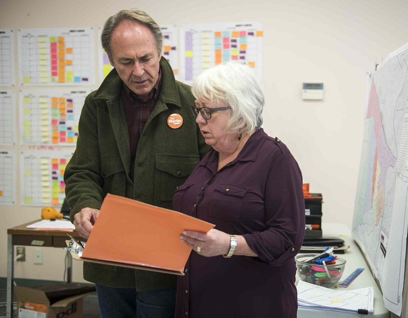 DAVID LIPNOWSKI / WINNIPEG FREE PRESS 151004 Lorraine Sigurdson is Pat Martin's campaign manager, and is pictured with Pat at HQ on Portage Avenue Sunday October 4, 2015.