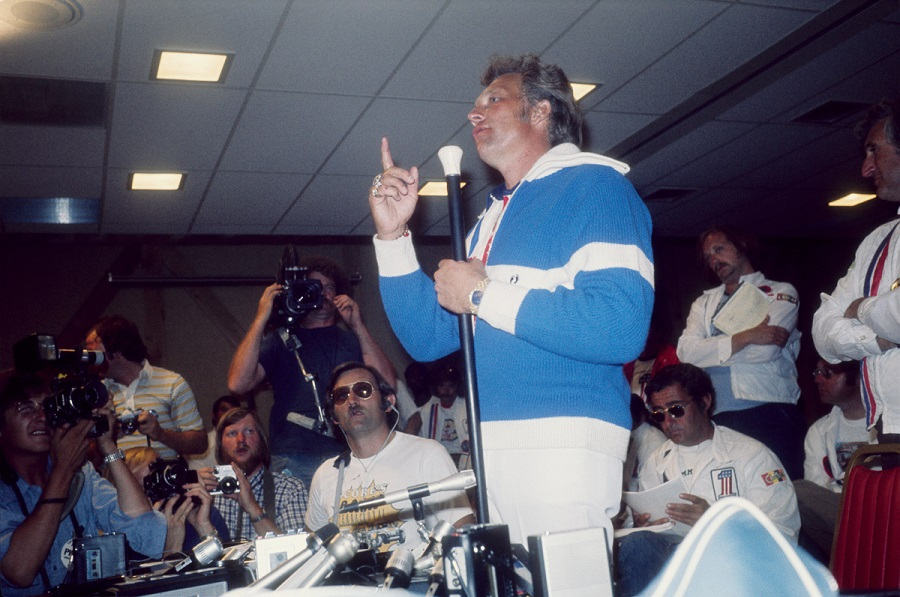 SNAKE RIVER CANYON ID - SEPTEMBER 7 1974: Evel Knievel holds a press conference before he attempts to jump a canyon on his X-2 Skycycle on September 7 1974 in Snake River Canyon, Idaho. (Photo by Michael Ochs Archives/Getty Images)