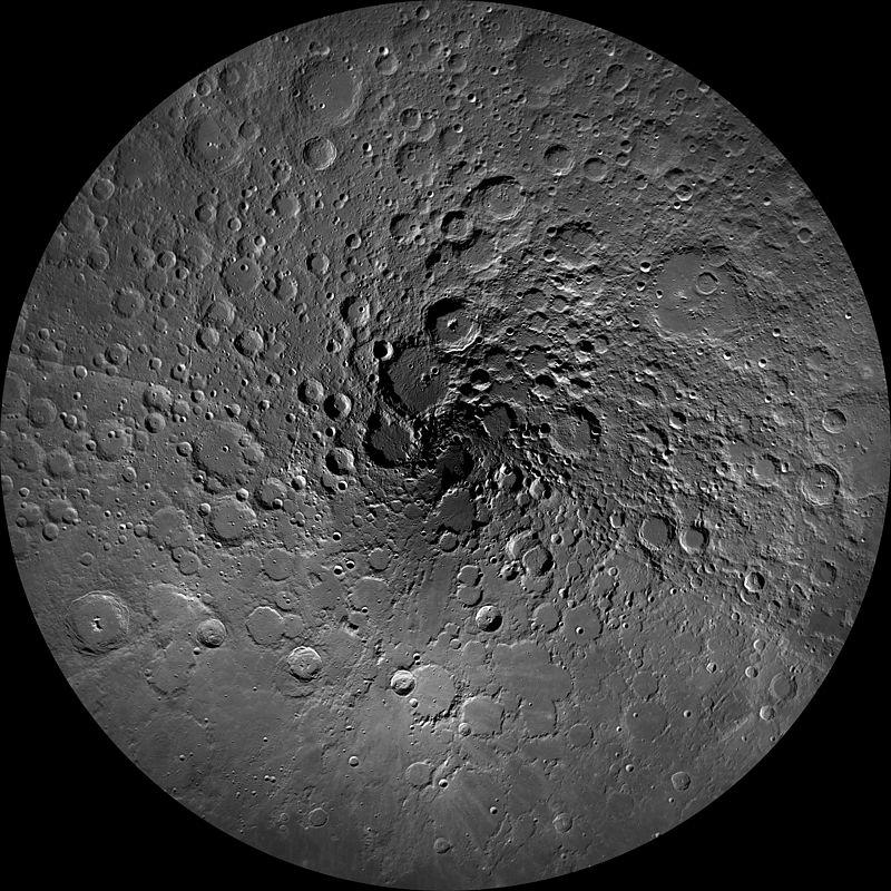 earth LRO_WAC_North_Pole_Mosaic_(PIA14024)