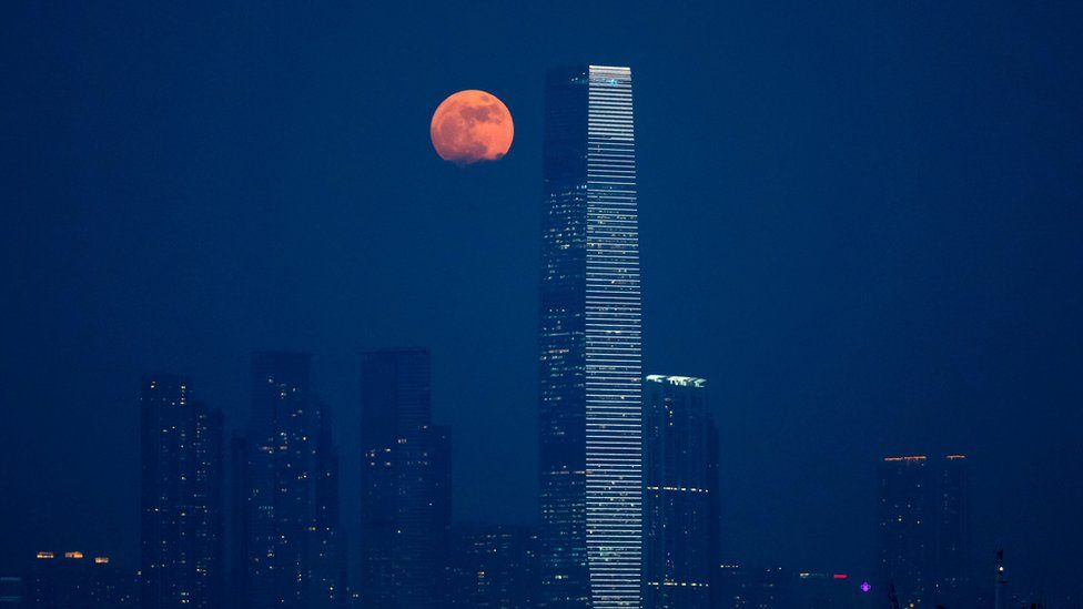 moon3-hong-kong