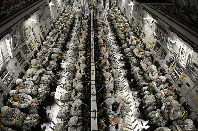82nd_airborne_paratroopers_in_a_c-17