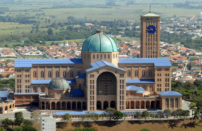 basilica_of_the_national_shrine_of_our_lady_of_aparecida_2007