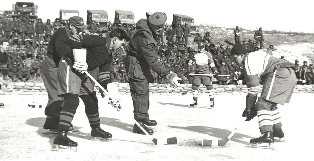 canadians_soldiers_hockey_korea_4