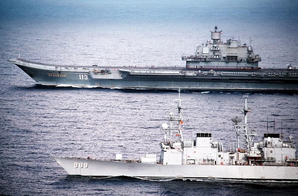 uss_deyo_with_admiral_kuznetsov